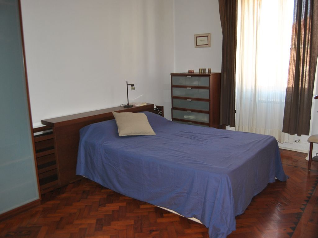 Property in Lisboa with 4 rooms