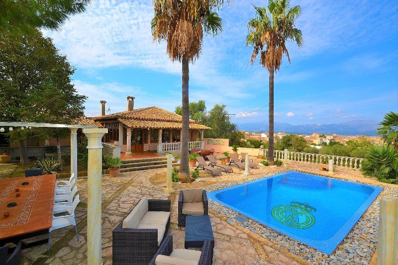 187 Muro Mallorcan town house