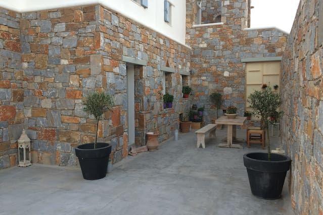 Maren Apartments