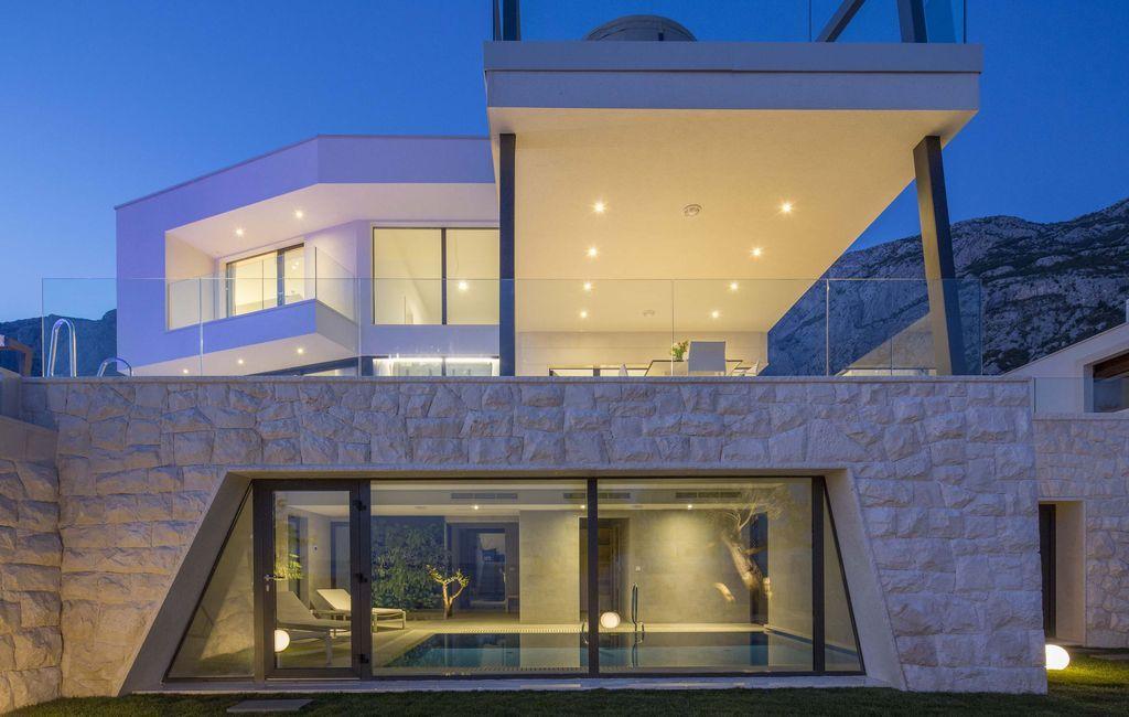 Alojamiento de 450 m² con balcón