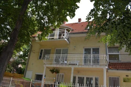 50 m² property