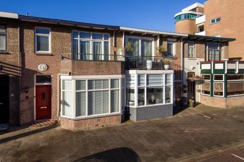 Casa con vistas con balcón