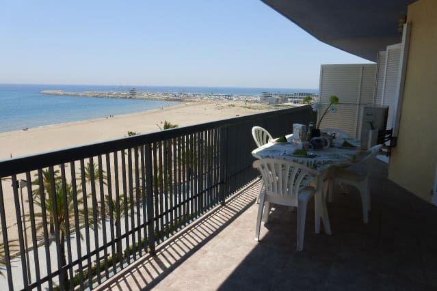 Amazing sea front flat 6