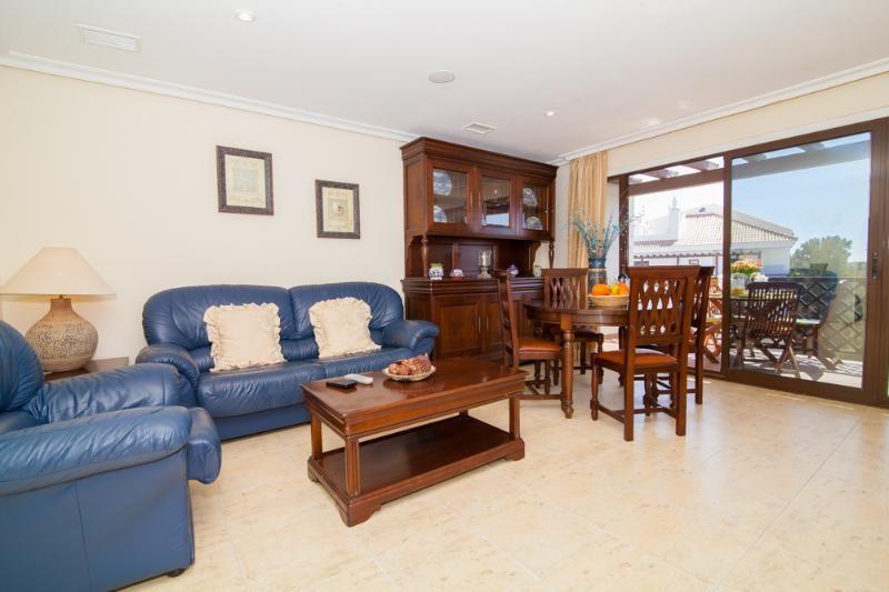 Un magnífico apartamento excelente ubicación a poca distancia de Falesia Beach & Servicios