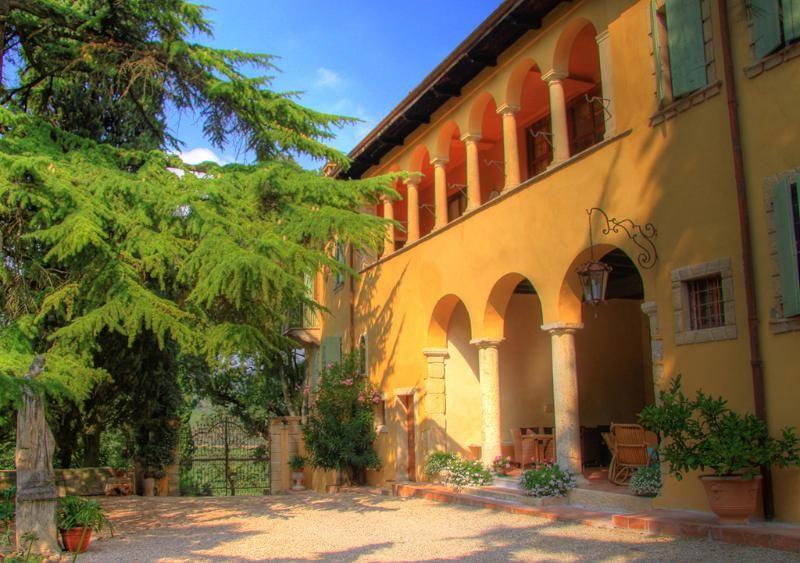 Agradable residencia en San martino buon albergo