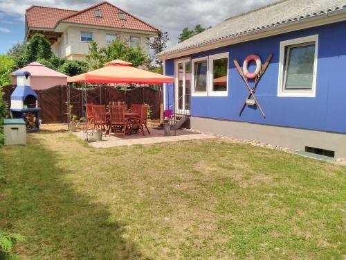 Alojamiento con vistas con jardín