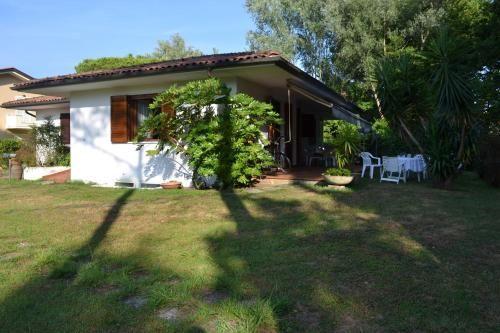 Residencia en Cinquale con jardín
