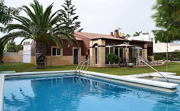 Alojamiento de 200 m² en Roquetas de mar