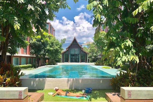 Piso en Chiang mai con jardín