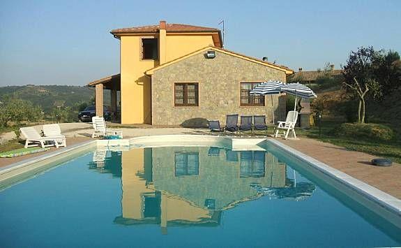 Residencia con piscina en Fabro