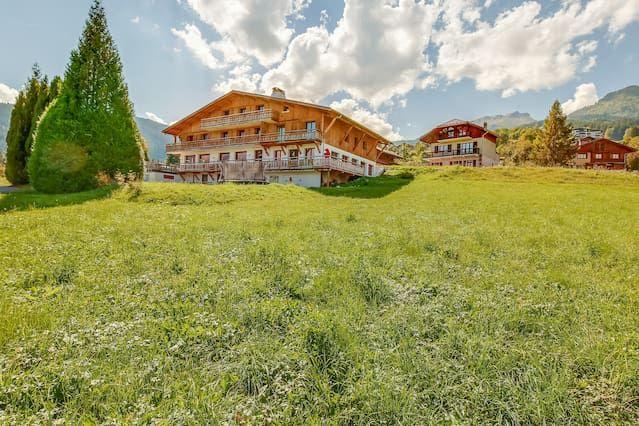 Alojamiento con jardín de 16 habitaciones