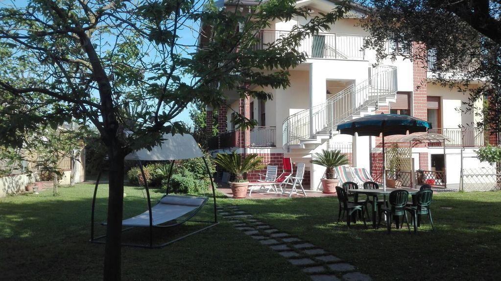 Abitazione di 145 m² a Capanne-prato-cinquale
