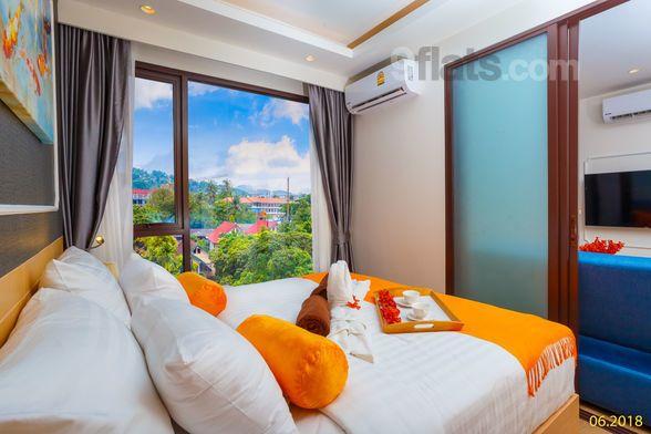 Agradable piso con balcón