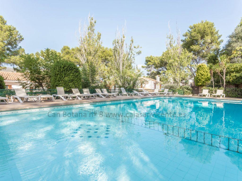 Residencia para 6 huéspedes con piscina
