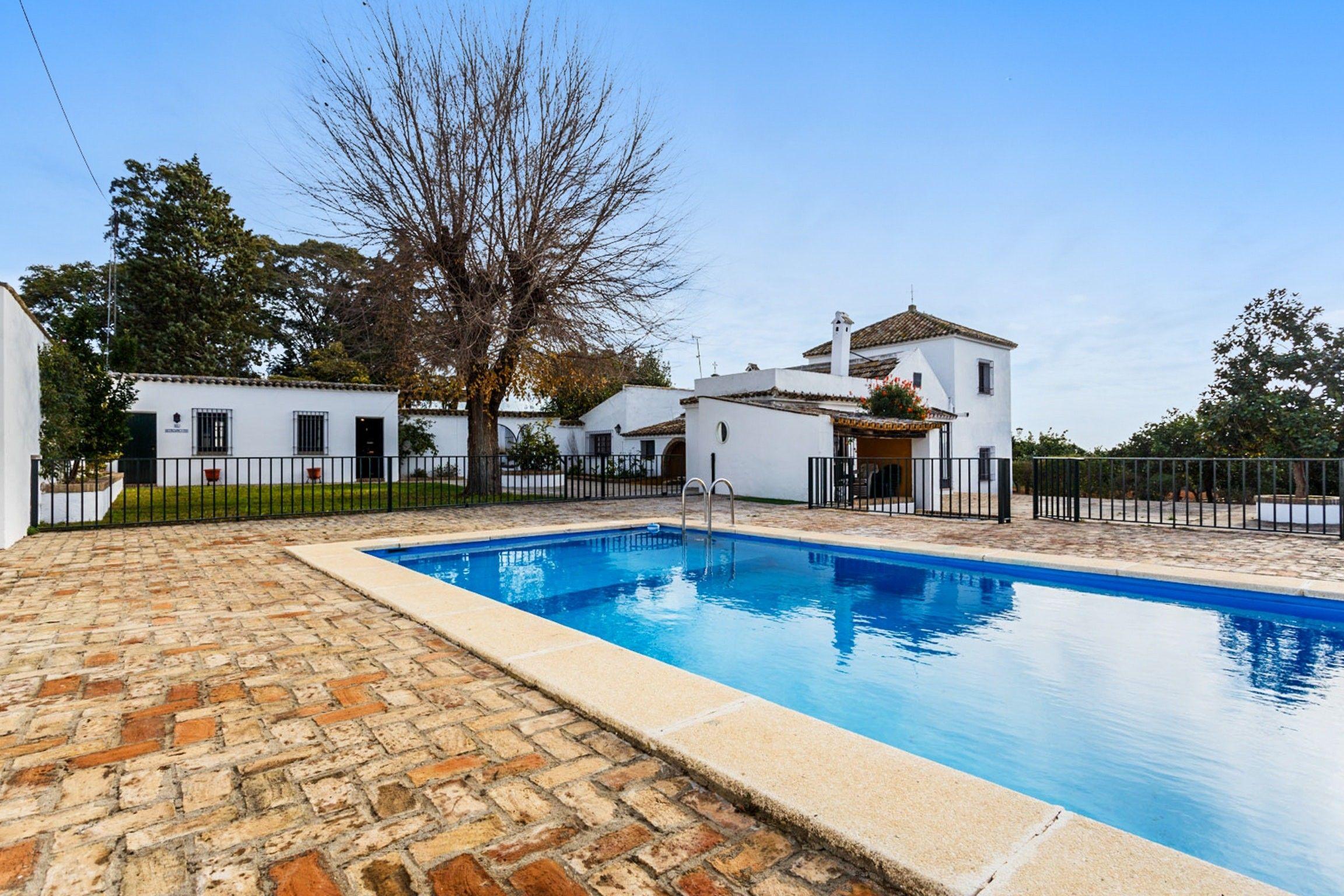 Casa con piscina de 250 m²