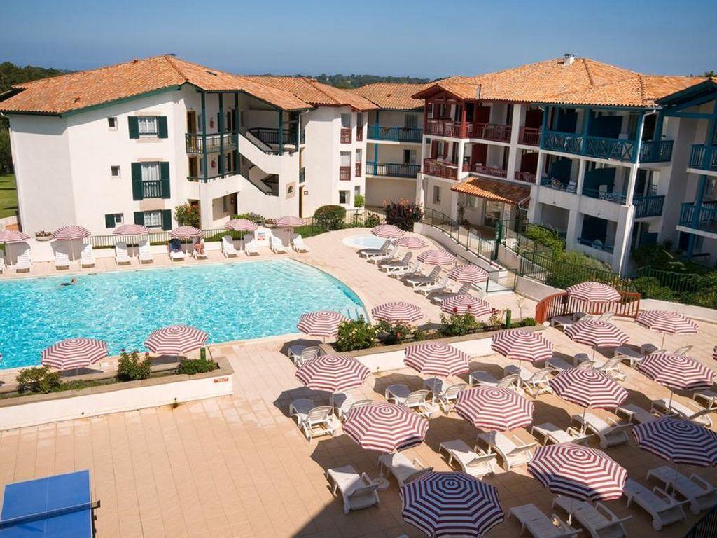 Appartement à 2 chambres avec piscine