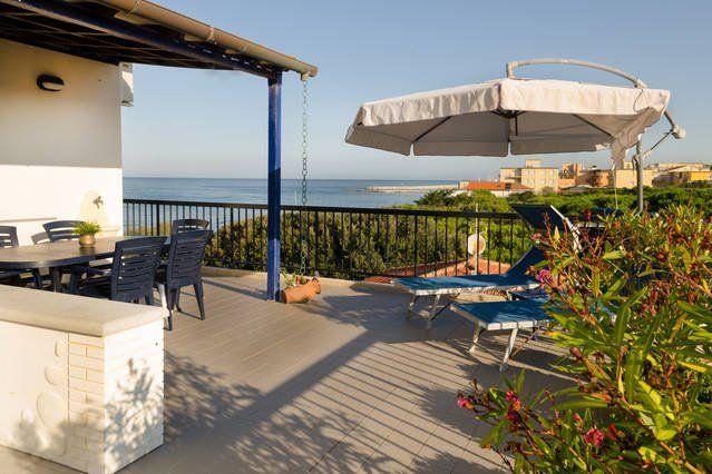 Luxury Penthouse over the sea