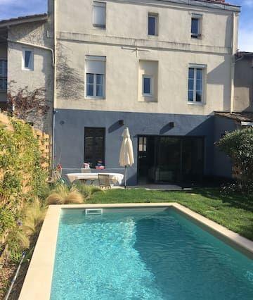 Gran casa con piscina en Burdeos