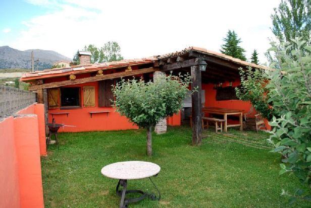 Alojamiento en Castrejón de la peña con parking incluído