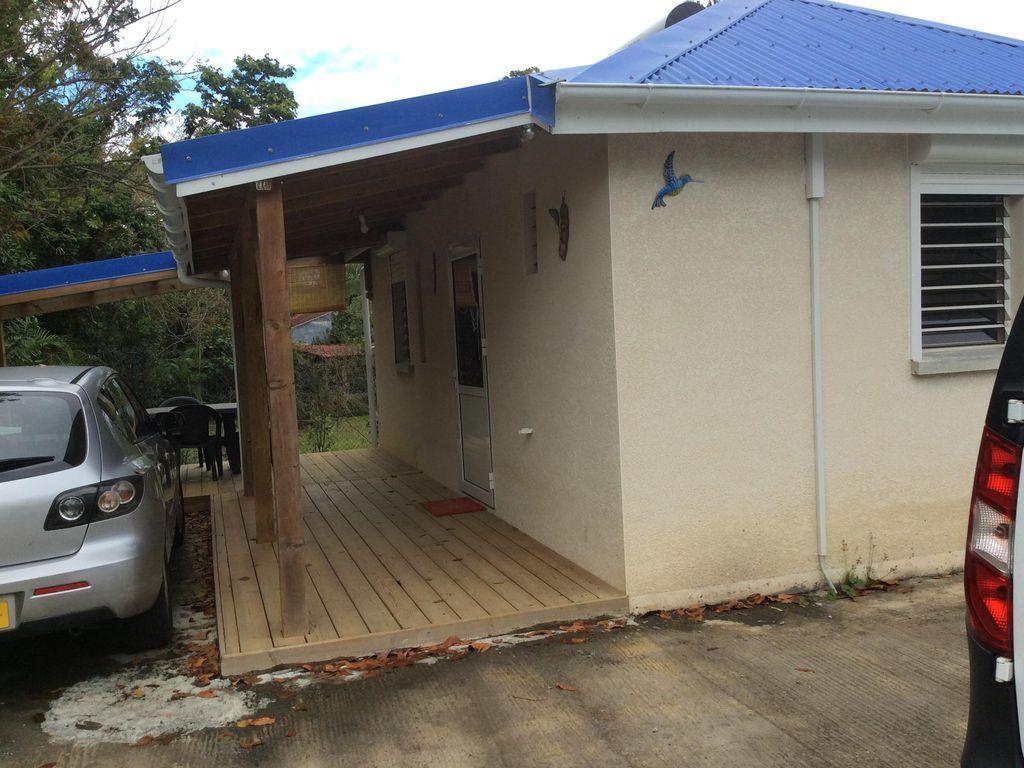 Casa con parking incluído para 4 huéspedes