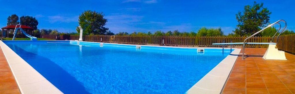 Residencia con piscina de 8 habitaciones