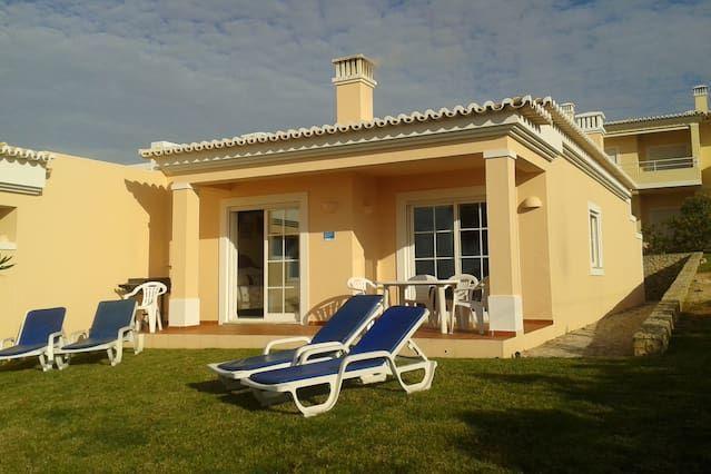 Villa fabulosa, grandes jardines privados, maravillosa vista del Atlántico y súper piscinas