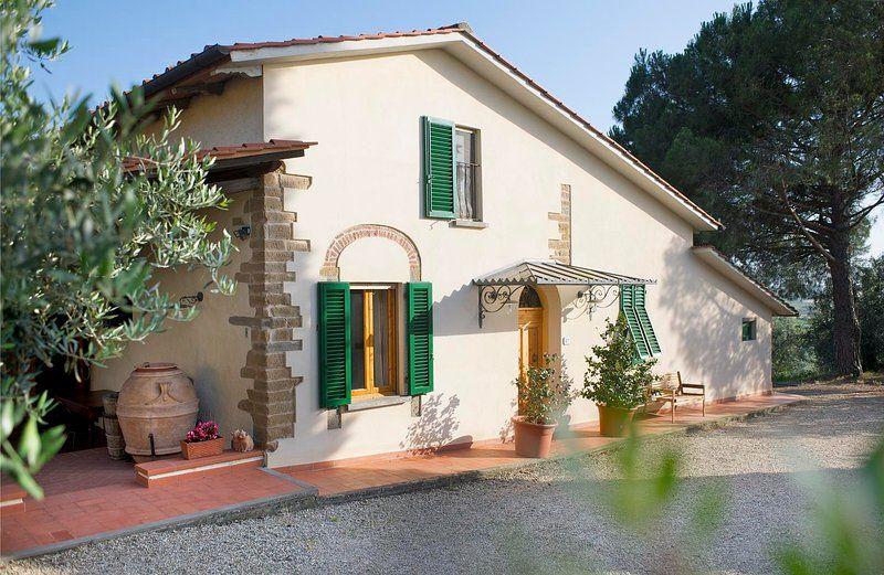 Casa Anita - Podere Zollaio - great views, swimming pool, wifi