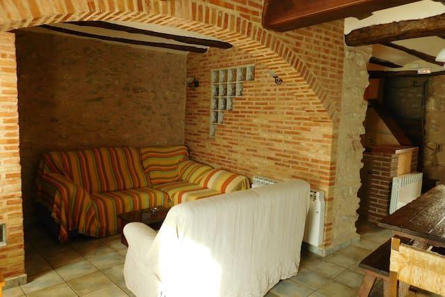 Casa en Bocairent con balcón