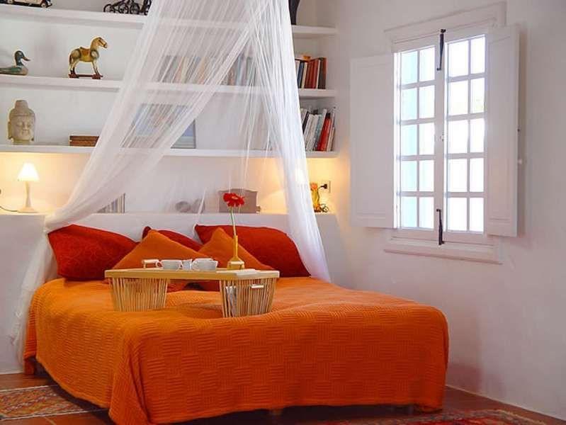 Apartamento DAMICHI en Teguise para 2 personas con terraza, vistas de los volcanes, WIFI en el ir y menos de 10.000 metros al mar
