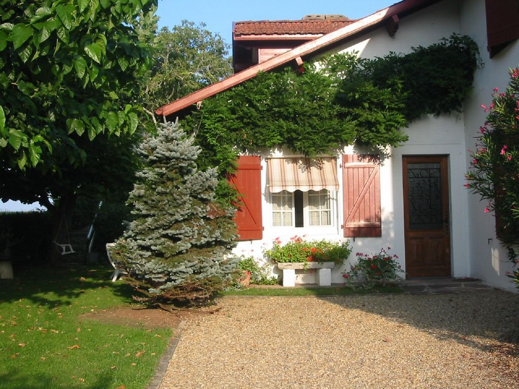 Casa adosada en Arcangues, a 5 km de Biarritz, a 5 km de Bayona