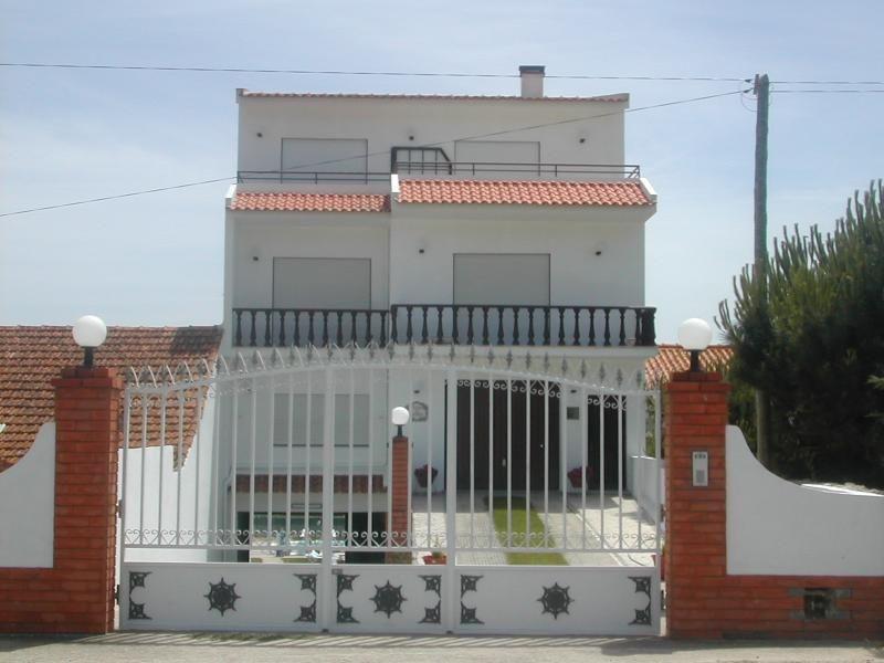 Appartement - Nazaré ( 2,5km de la plage, avec jardin et piscine