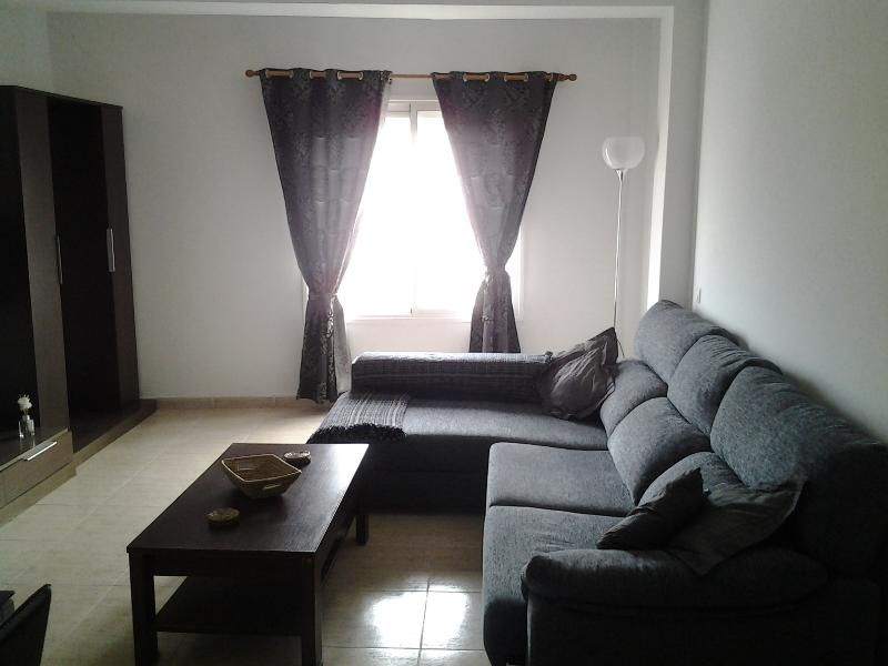 central apartment close to all amenities, internet