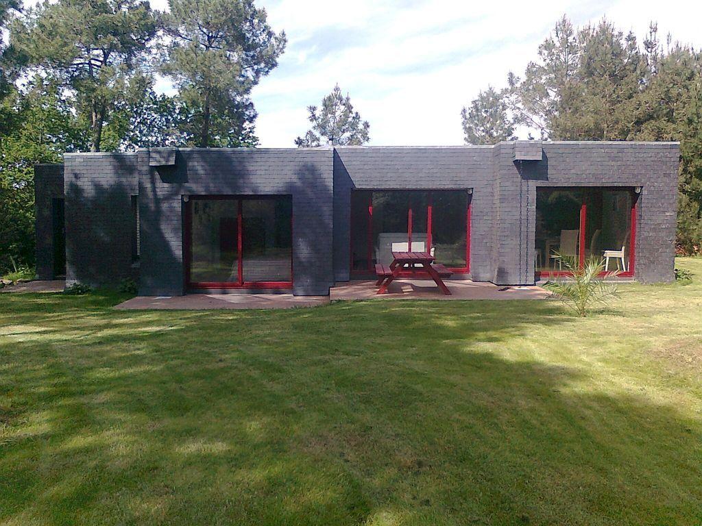 Casa de arquitecto en el río Auray en 2.000 m2 de bosque de pinos