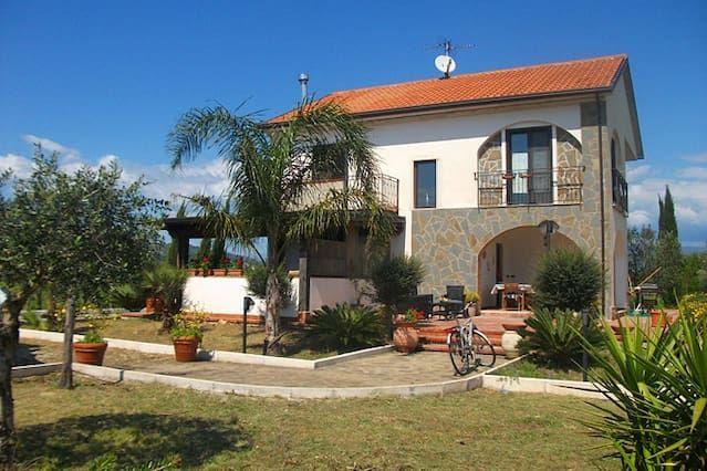 Apartamento Villa de ensueño rodeado de vegetación - la relajación asegurada!