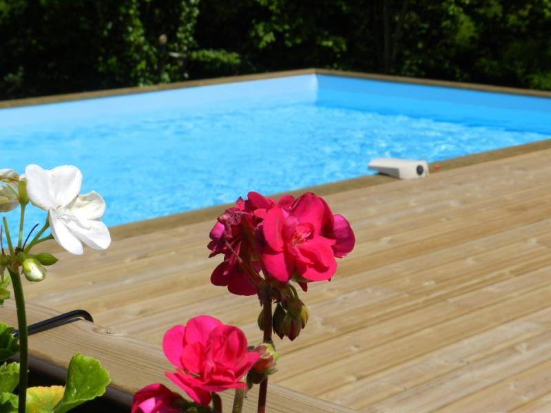 Cortijo, y cabañas con piscina climatizada, en Jugon Les Lacs, Dinan
