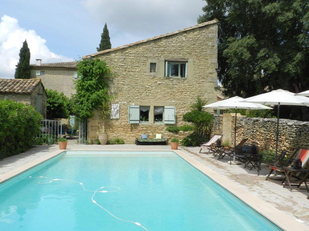 Provisto apartamento con piscina