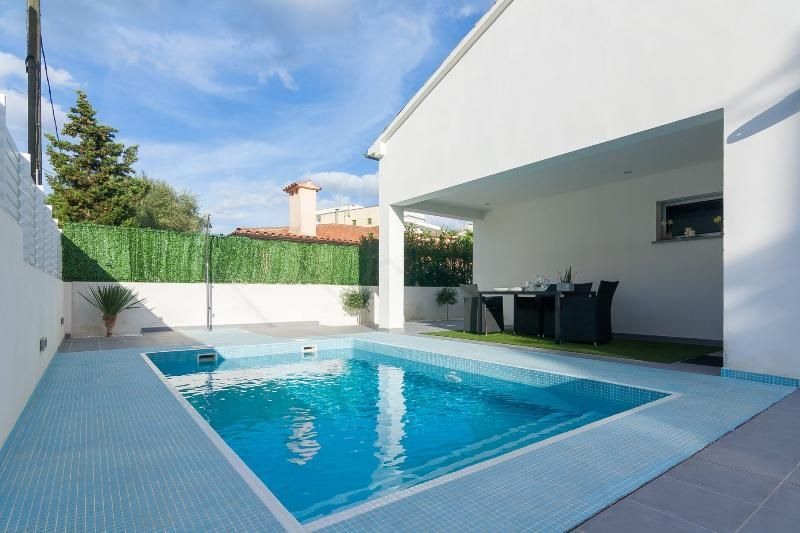 Residencia de 120 m² con piscina