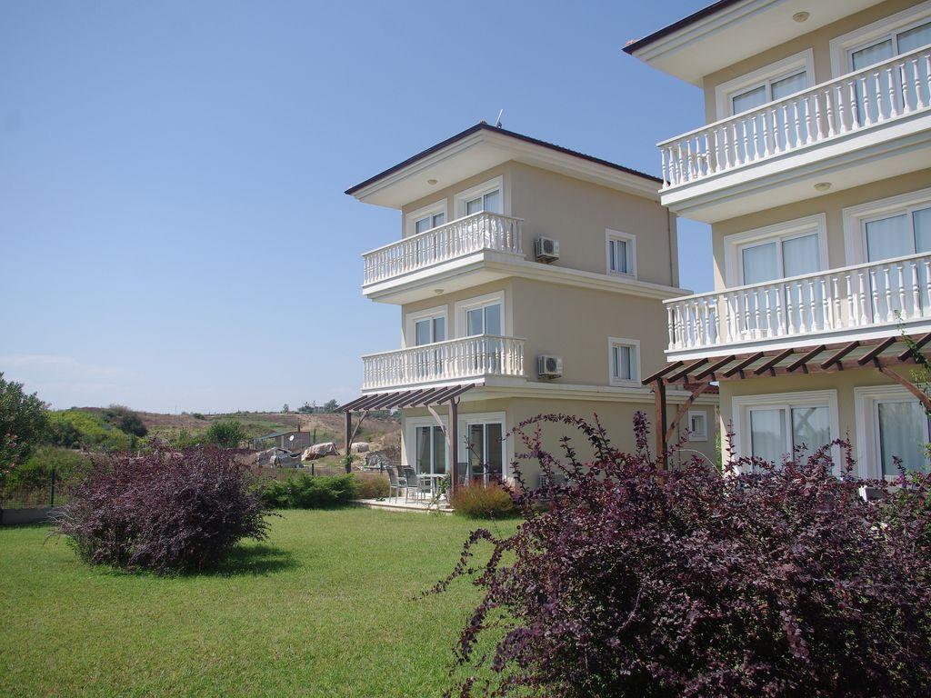Alojamiento en Karadayı con piscina