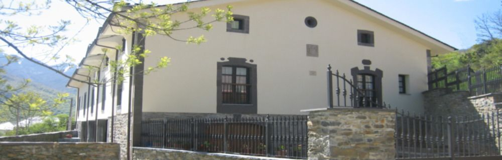 Alojamiento con vistas en Monasterio de hermo