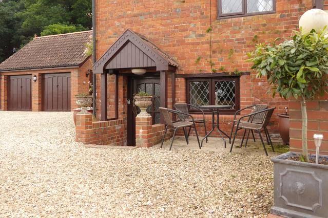 Casa con jardín en Taunton