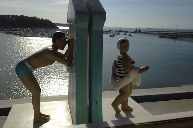 Elegante apartamento con vistas al mar y excepcional con acceso directo a la playa