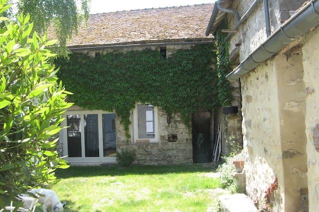 Residencia en Achères-la-forêt con jardín