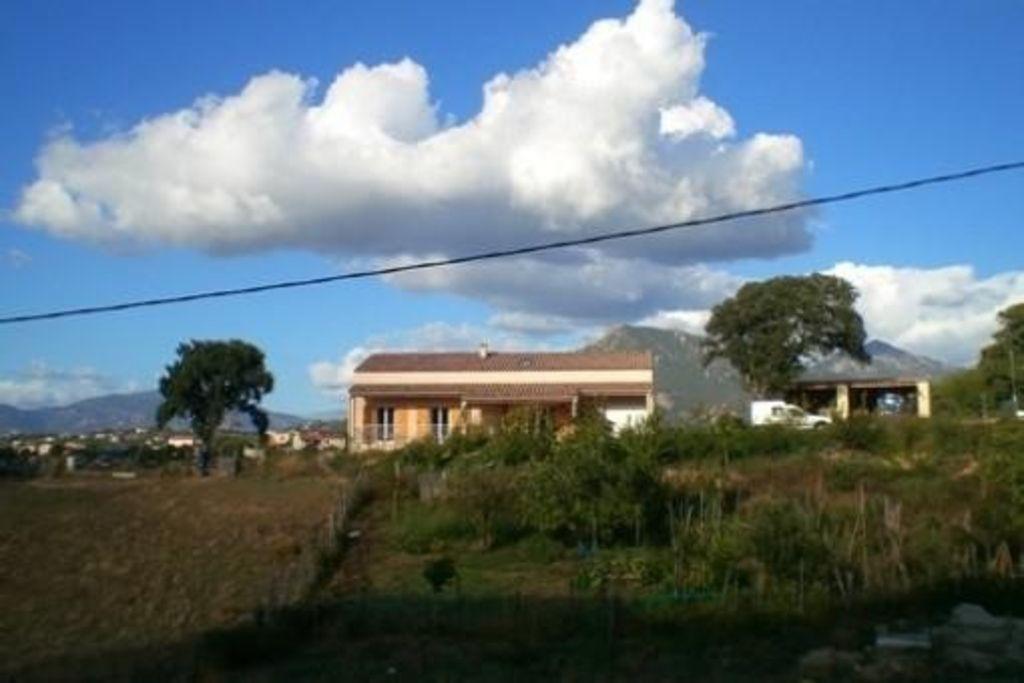 Casa con jardín en Porticcio