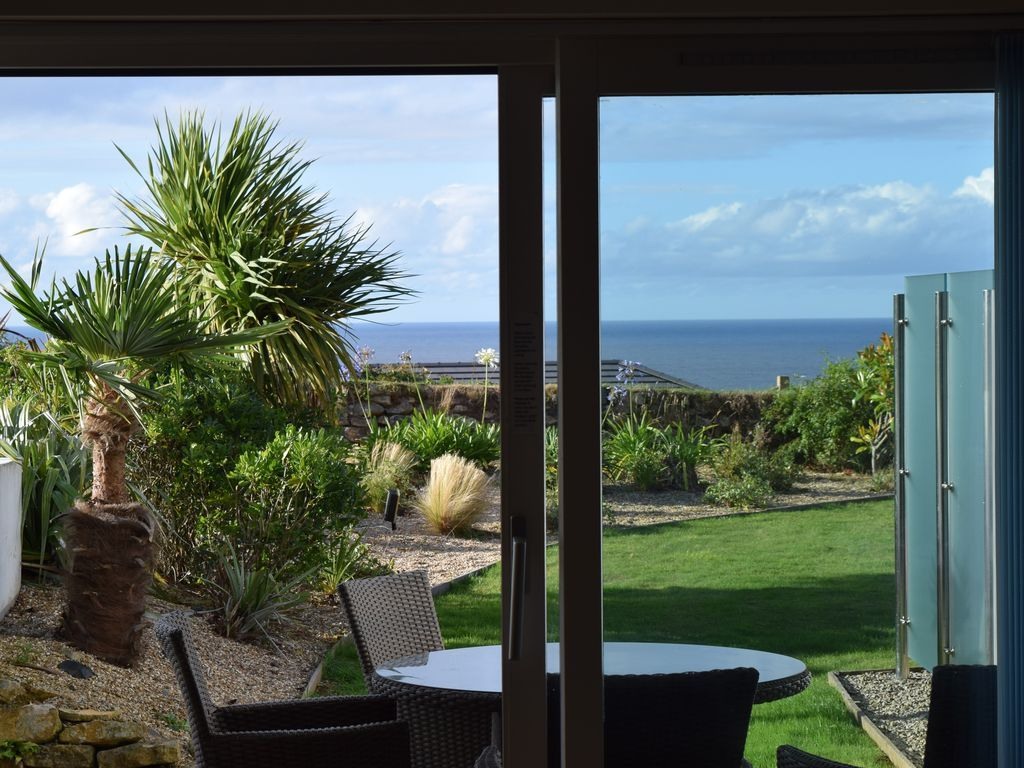 Apartment for 4 people in St ives
