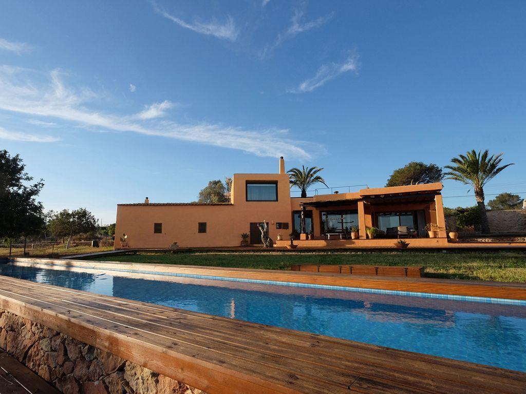 Alojamiento de 300 m² con piscina