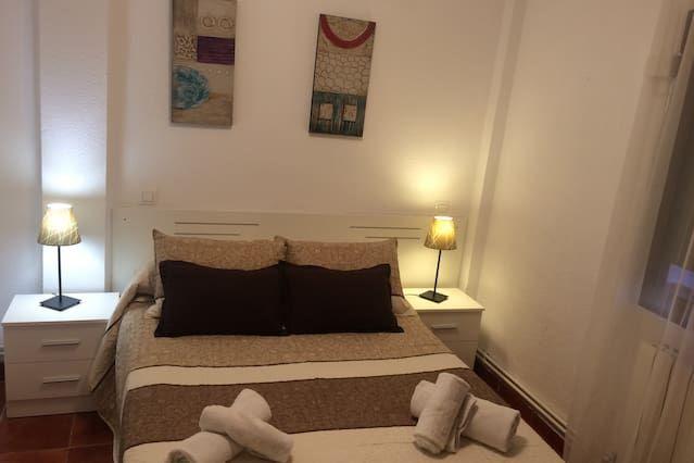 Apartamento en Cuenca con TV y Balcón