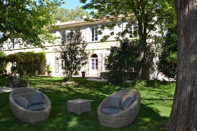 Alojamiento en Avignon con balcón