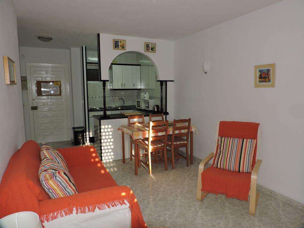 Apartamento popular en benalmádena para 4 huéspedes