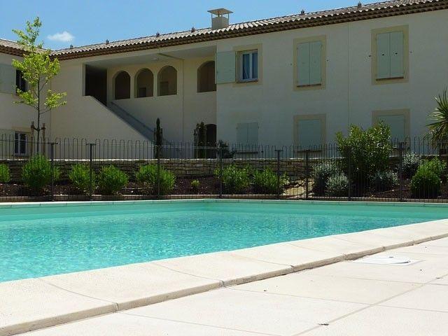 Apartamento con jardín en Saint-rémy-de-provence