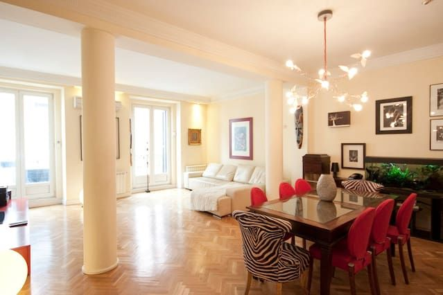 Spacious & Stylish flat in Sol area